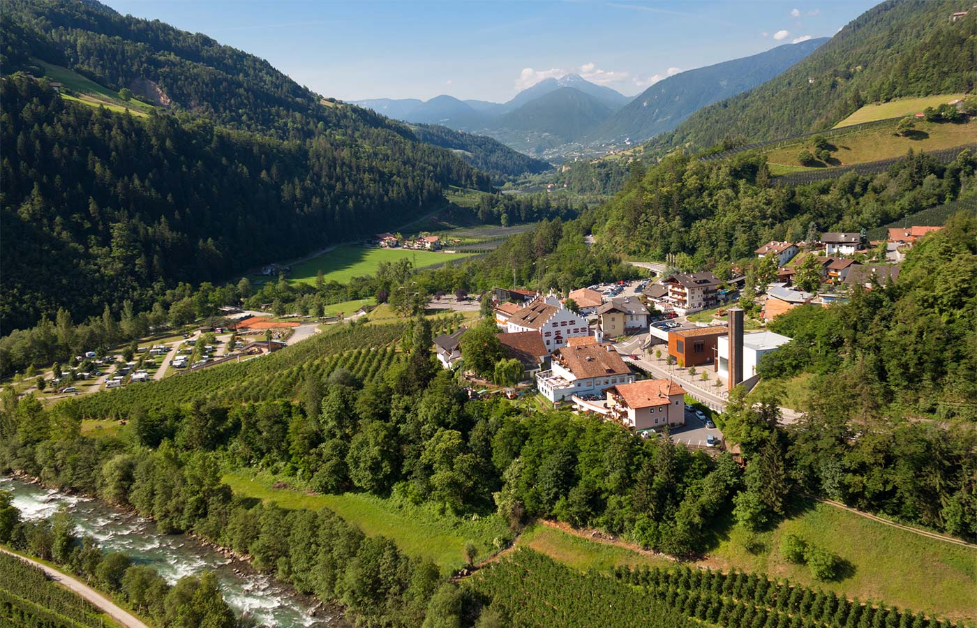 Hotel Alpenhof is located in Saltusio, in the southern Val Passiria
