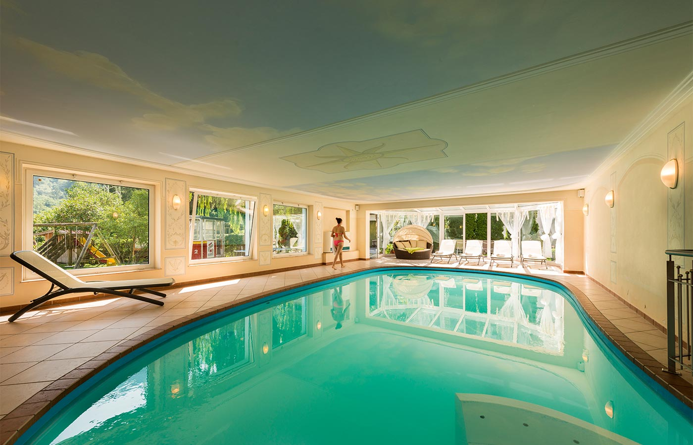 Chlorine free indoor swimming pool